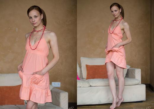 Mia - My Charming Ass - Stunning 18 - Teen Nude Gallery