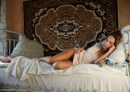 Zara - Lush - Errotica Archives - Solo Nude Gallery