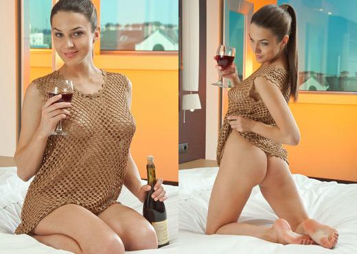 Vanda B - Venota - Sex Art - Solo Nude Pics
