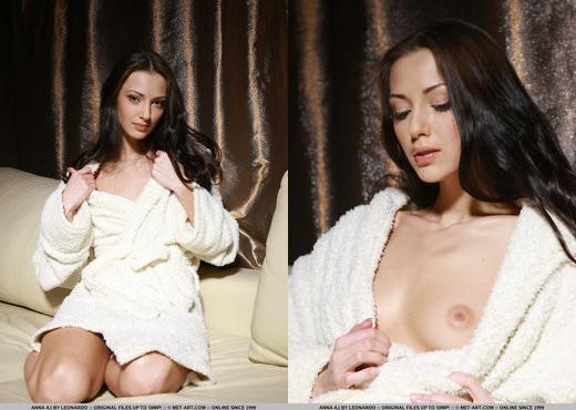 Anna AJ - Bornoz - MetArt - Solo Porn Gallery