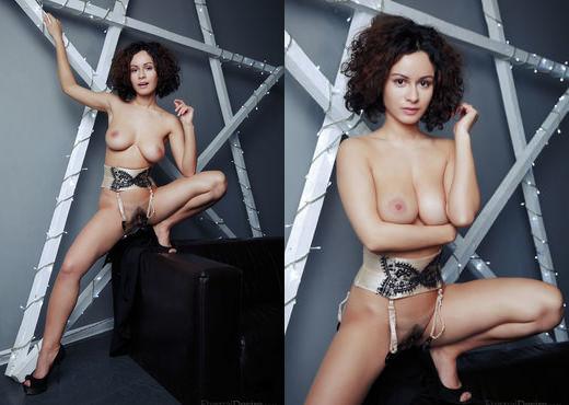 Pammie Lee - MEET - Eternal Desire - Solo Porn Gallery