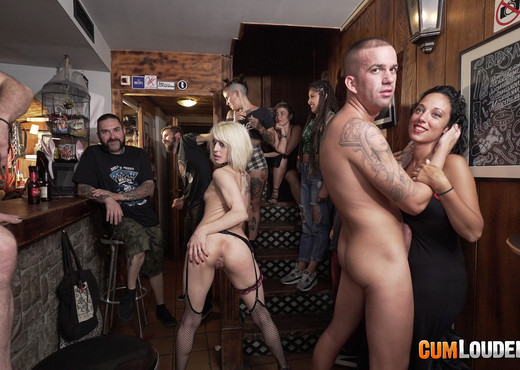 Nora Barcelona - Sexy Happy Hour - Hardcore Nude Pics
