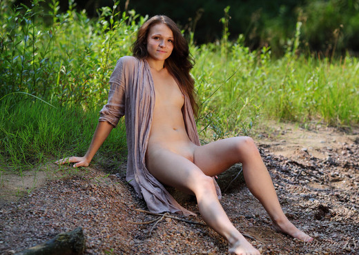Dorothy - Outdoors - Stunning 18 - Teen Nude Gallery