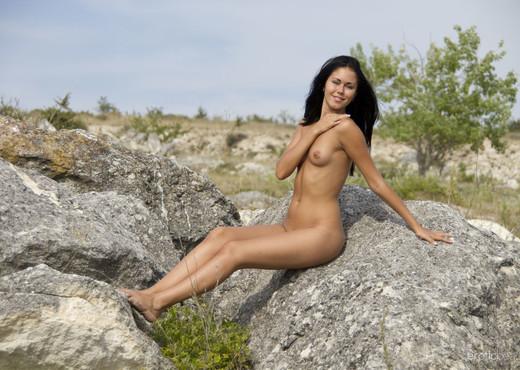 Macy B - Blue Sky 2 - Erotic Beauty - Solo Porn Gallery