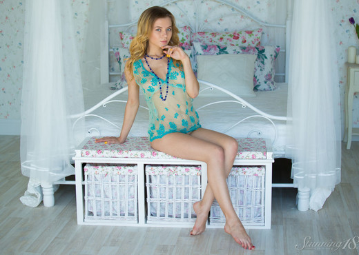Agnes - I Can Not Sleep Alone - Stunning 18 - Teen Image Gallery