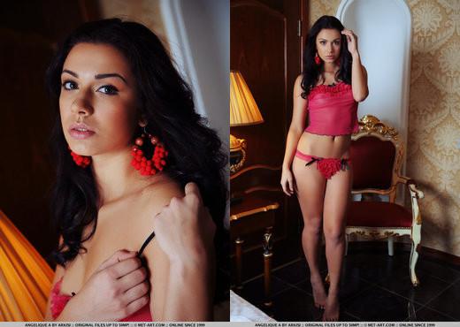 Angelique A - Presenting Angelique - MetArt - Solo Nude Pics