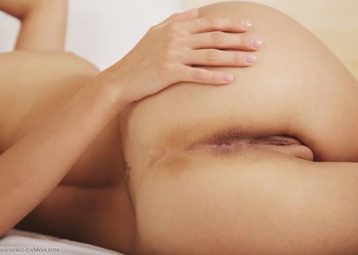 Gillian B - Pianeta - Errotica Archives - Solo Porn Gallery