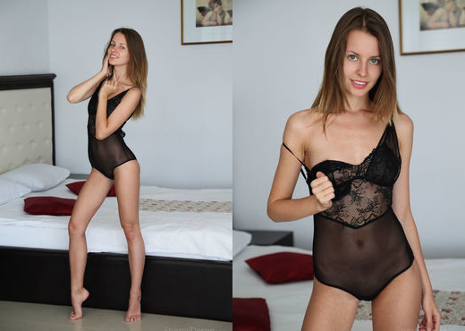 Lucia D - SENSES - Eternal Desire - Solo Picture Gallery