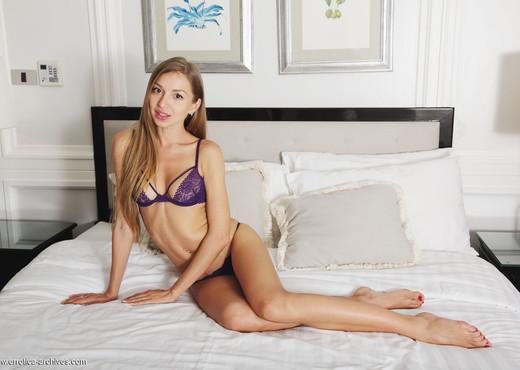 Leila Mazz - Plavusa - Errotica Archives - Solo Sexy Photo Gallery