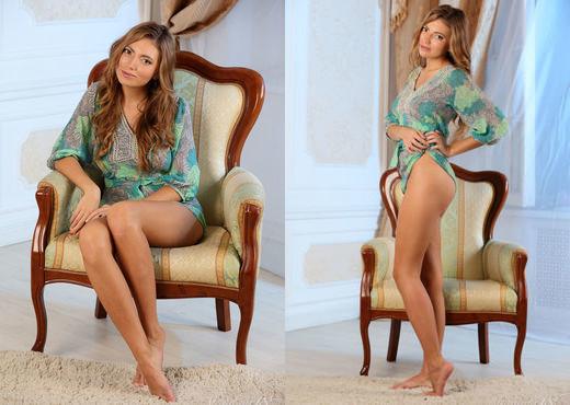 Kathleen G - She Wants - Stunning 18 - Teen Nude Gallery