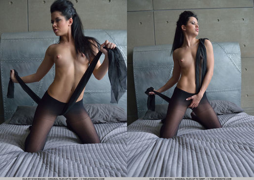 Olia - Passionate Nylons - The Life Erotic - Solo Sexy Photo Gallery
