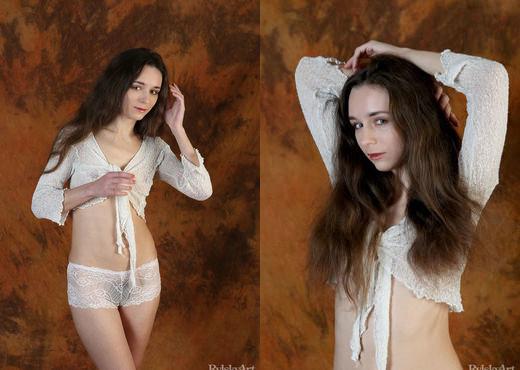 Iris - Moshi - Rylsky Art - Solo Hot Gallery