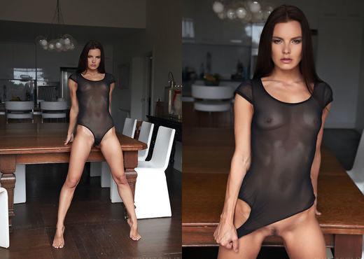 Suzie Carina - Galusa - Sex Art - Solo Sexy Gallery