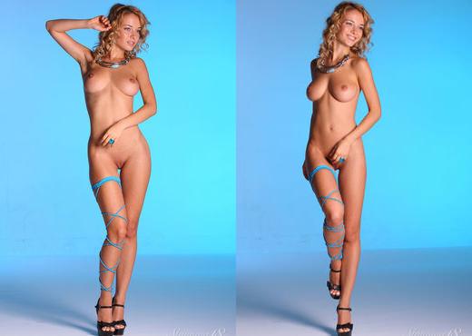 Delilah G - Angelic Figure - Stunning 18 - Teen Nude Gallery