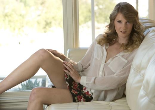 Ashley Lane - Taste Me 1 - MetArt X - Solo Sexy Photo Gallery