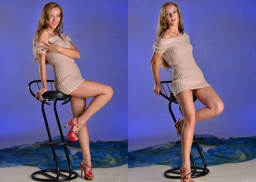 Hannah J - Presenting Hannah - Stunning 18 - Teen Sexy Photo Gallery