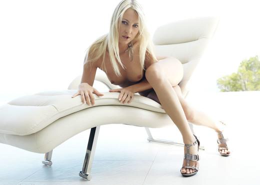 Zuana - Divaricata - Errotica Archives - Solo Nude Pics