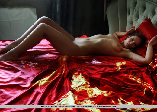 Alisha - My Pet - The Life Erotic - Solo Picture Gallery