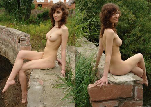 Jini - Walking In Nature 2 - Erotic Beauty - Solo Hot Gallery