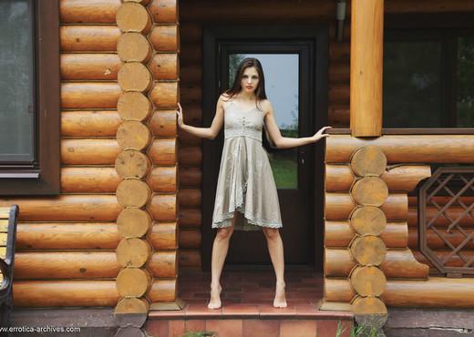 Alise Moreno - The Cabin - Errotica Archives - Solo Sexy Photo Gallery