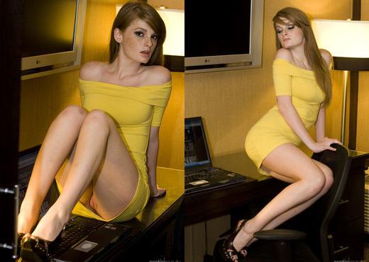 Presenting Faye Reagan 1 - Erotic Beauty - Solo Picture Gallery