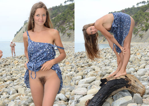 Geissa - Rocky Beach - Erotic Beauty - Solo Sexy Gallery