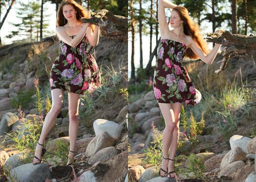 Presenting Nicole - Stunning 18 - Teen Sexy Gallery