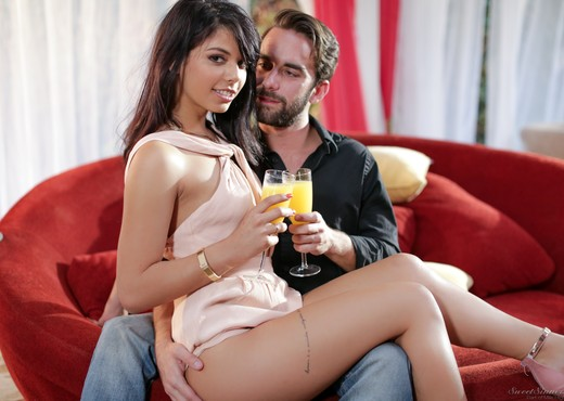 Gina Valentina - Sipping on Your Juice - Hardcore Picture Gallery