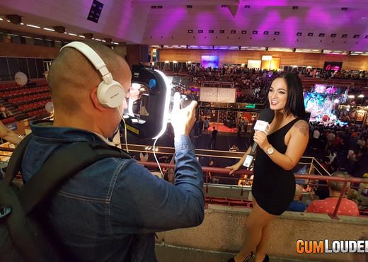 Claudia Bavel introducing Yunnox Moon - Hardcore Nude Pics