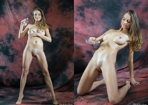 Vittoria Amada - Olja - Rylsky Art - Solo Porn Gallery