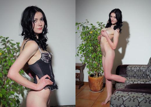 Eilona - PUMILA - Eternal Desire - Solo HD Gallery