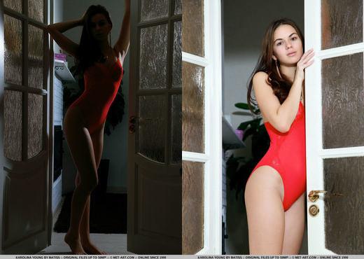 Karolina Young - Setiera - MetArt - Solo Sexy Gallery