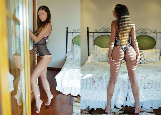 Yarina A - EFEKTO - Eternal Desire - Solo Nude Gallery