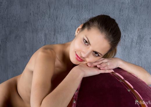Sandra Lauver - Kupoul - Rylsky Art - Solo Nude Pics
