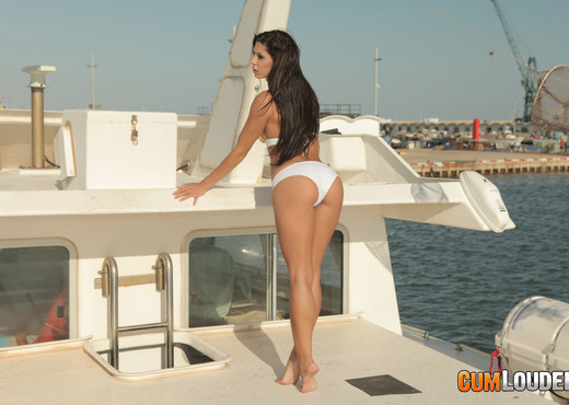 Alexa Tomas goes fishing - Cumlouder - Hardcore Sexy Gallery