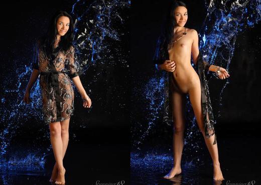 Darcy A - Splash - Stunning 18 - Teen Nude Gallery