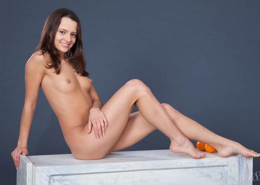 Edison X - Oranges - Stunning 18 - Teen Image Gallery