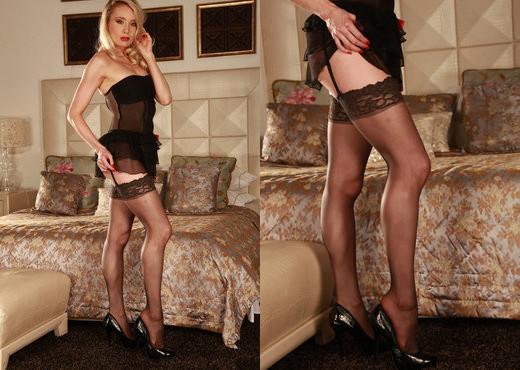 Aimee Celeste - Amiee Celeste - Viv Thomas - Solo Nude Pics