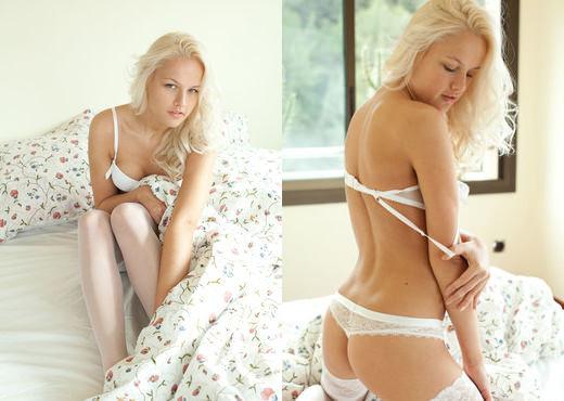 Karina O - Tessili - Sex Art - Solo Sexy Photo Gallery