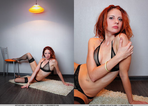 Vetta - Red Hot - The Life Erotic - Solo Picture Gallery