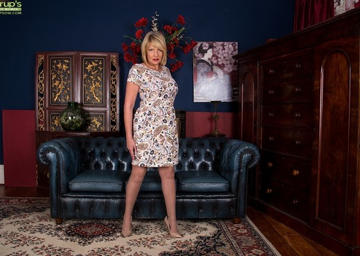 Amy Goodhead - Karup's Older Women - MILF Nude Pics