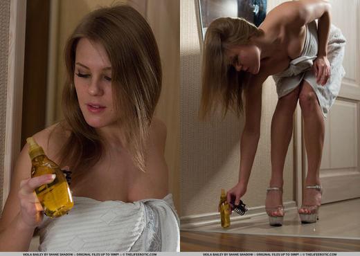 Viola Bailey - Oil All Over - The Life Erotic - Solo Nude Pics