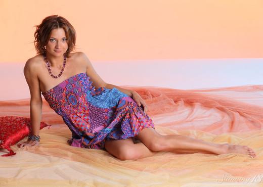 Doris G - Warm Color - Stunning 18 - Teen Sexy Photo Gallery