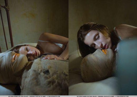 Victoria Daniels - Scarecrow 1 - The Life Erotic - Solo TGP