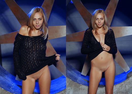 Lija - AZULA - Eternal Desire - Solo Nude Pics