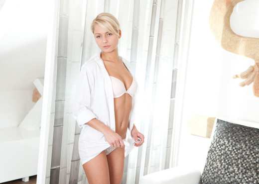Grace C - Kalinci - Sex Art - Solo Nude Pics