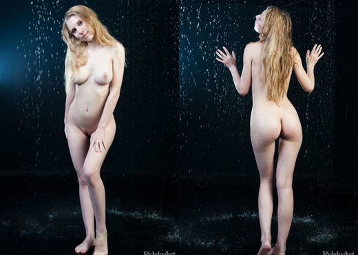 Darerca - Pluvo - Rylsky Art - Solo Sexy Gallery
