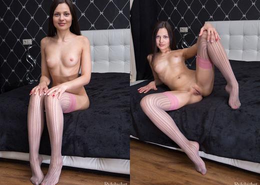 Taini - Gulabima - Rylsky Art - Solo Nude Gallery