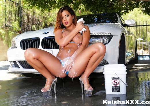 Busty starlet Keisha gets an anal fucking - Anal TGP