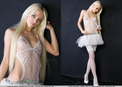 Alysha A - Puent - MetArt - Solo Nude Gallery